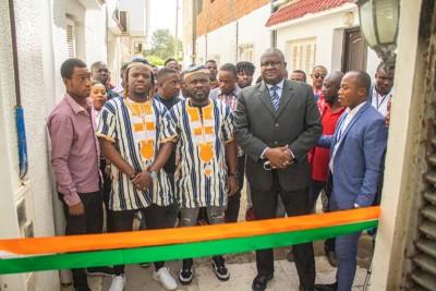 Côte d'Ivoire :  Tunisie, le Groupe zouglou VDA offre un foyer d'accueil aux migrants...