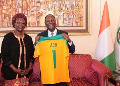 Côte d'Ivoire : Ouattara s'entretient avec Mme Dao Gabala (FIF), qualification pour le mondial 2022  et subvention financière à l'équipe technique, discutées