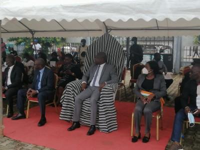 Côte d'Ivoire :  Enrôlement à la CMU, le ministère de l'Emploi et de la protection so...