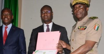 Côte d'Ivoire :   Sensibilisation des FDS sur la corruption, selon le ministre Zoro d...