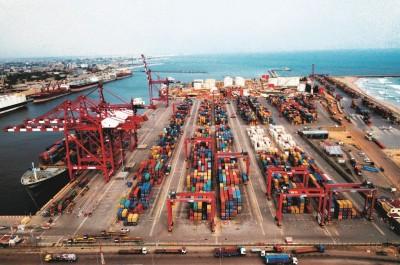 AFRICA CEO FORUM 2021 : Bolloré Transport & Logistics réaffirme son engagement en fav...