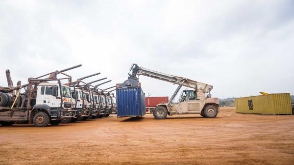 Gabon: 125 conteneurs de Kevazingo déchargés dans la Zone économique spéciale de Nkok en vue...