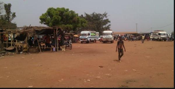 Côte d'Ivoire : Un chauffeur de taxi tente d'appréhender un bandit et se fait abattre