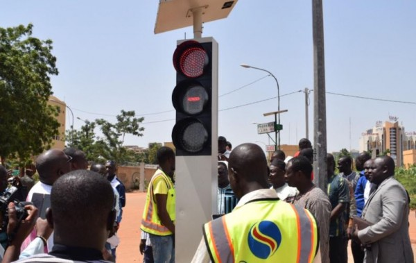 Burkina Faso: Des feux tricolores solaires mis en service à Ouagadougou