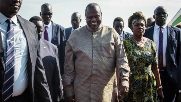 Soudan: En exil à Khartoum, Riek Machar arrive à Juba pour sauver  l'accord de paix