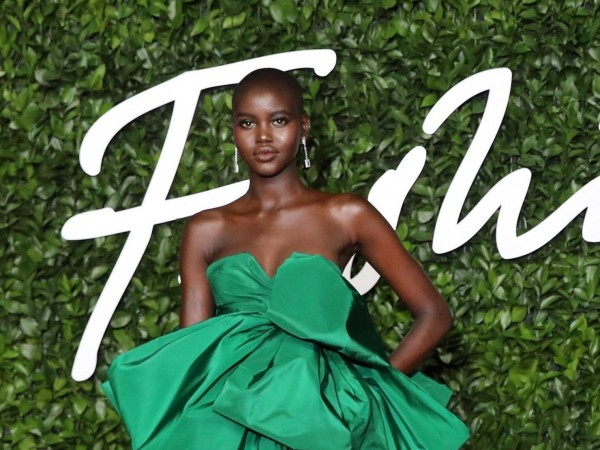 Soudan du Sud: Adut Akech remporte le titre de «mannequin de l'année» à Londres