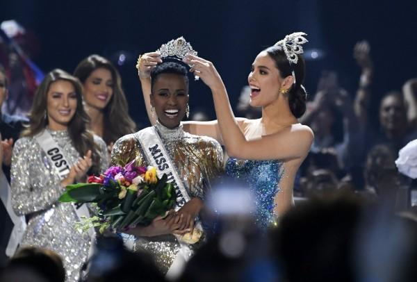 Afrique du Sud-USA:  La sud africaine Zozibini Tunzi  sacrée Miss Univers à Atlanta