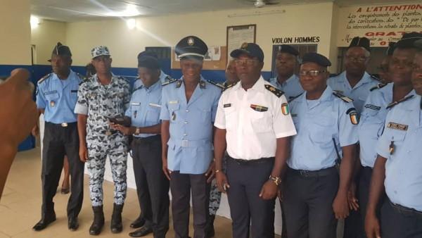 Côte d'Ivoire: Un presumé gang de microbes interpellé par la police, le 34ème arrondissement reçoit les honneurs de Ange Kessy