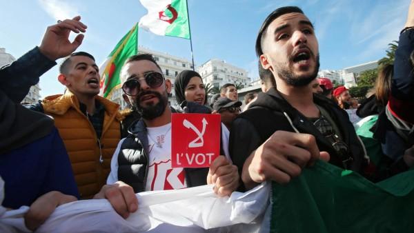 Algérie: Présidentielle contestée, deux bureaux de vote saccagés par des manifestants  en Kabylie