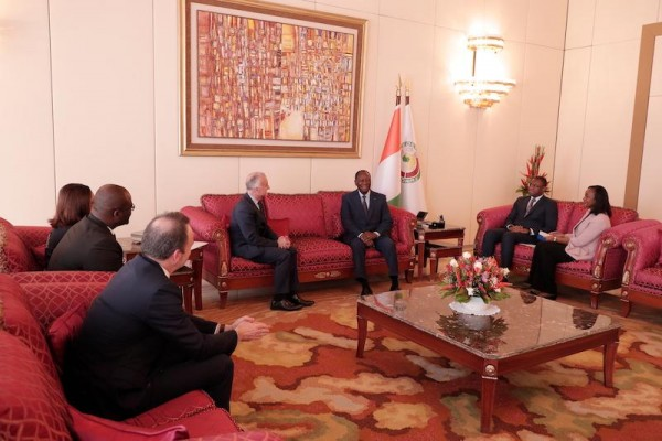 Côte d'Ivoire-France: Alassane Ouattara reçoit les PDG d'Orange et de Canal +