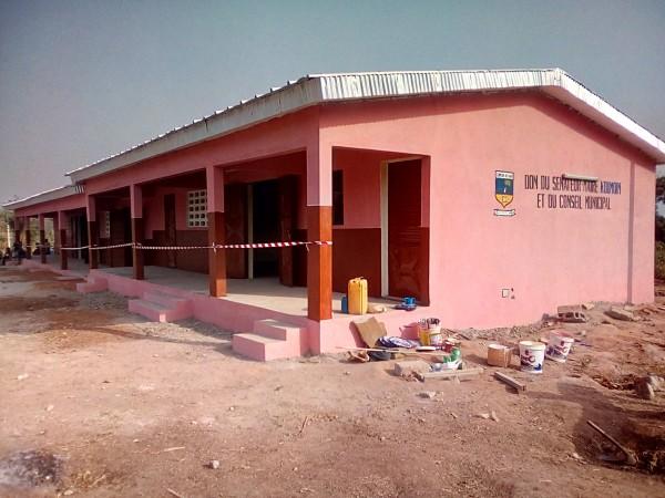 Côte d'Ivoire: Diabo, malgré son budget insatisfaisant, la municipalité offre deux bâtiments aux écoliers