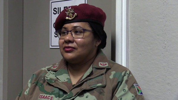 Afrique du Sud: L'armée abandonne ses poursuites contre une femme officier qui refusait de retirer son foulard islamique