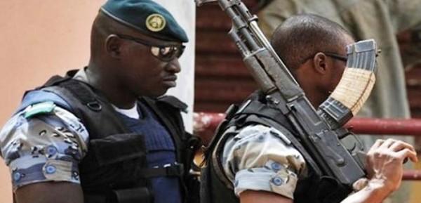 Mali: Un camp de la gendarmerie visé par une attaque jihadiste près de la frontière mauritanienne,19 morts au moins