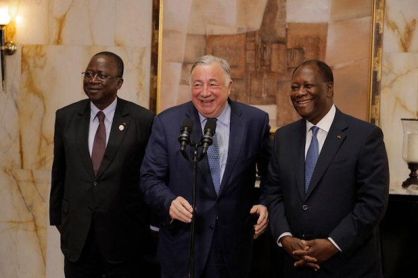 Côte d'Ivoire : Le Président du Sénat français reçu par Alassane Ouattara au Palais présiden...