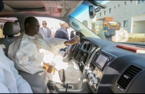 Sénégal : Macky Sall suspend toutes acquisitions de véhicules au nom de l'Etat