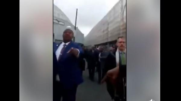 Côte d'Ivoire : Adjoumani interpellé en pleine rue à Paris par un activiste ivoirien, la question des députés proches de Soro en prison évoquée
