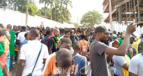 Cameroun : Manifestations anti-française à Yaoundé après les propos de Macron