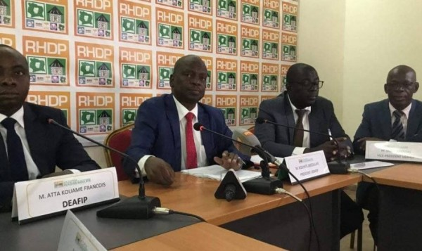 Côte d'Ivoire : Délivrance gratuite de la CNI, l'UE-RHDP à l'opposition : «Quand Bédié était au pouvoir, les cartes nationales d'identité étaient payantes »