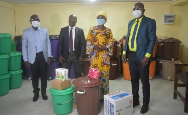 Côte d'Ivoire : Lutte contre la propagation du COVID-19, la MUPEMENET-CI offre de nombreux kits de protection aux enseignants
