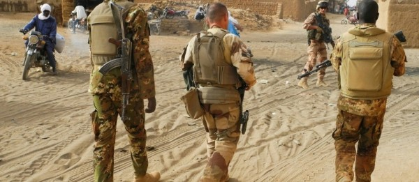 Mali : Quatre officiers de Barkhane testés positifs au Covid-19