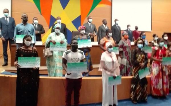 Côte d'Ivoire : COVID-19, phase transitoire du fonds de soutien au secteur informel, 40 mille bénéficiaires annoncés pour un montant de 10 milliards de FCFA