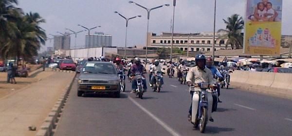 Togo :  Baisse de 77 à 87 F Cfa du prix du carburant, requête d'un automobiliste