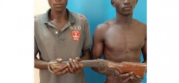 Côte d'Ivoire : Deux membres présumés d'un gang interpellés suite au braquage d'un commerçant