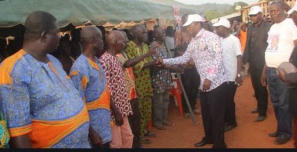 Côte d'Ivoire : Affi N'Guessan et trois autres candidats aux élections législatives  et municipales  s'acquittent de leur redevance au Burida