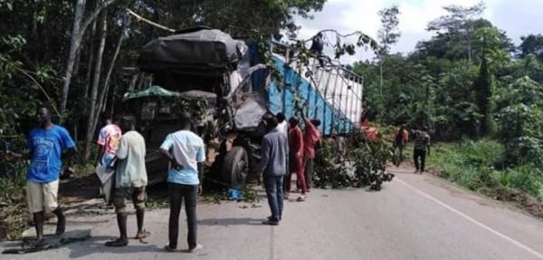 Côte d'Ivoire : Collision entre deux gros camions sur l'axe Abidjan-Adzopé, les conducteurs dans un état critique