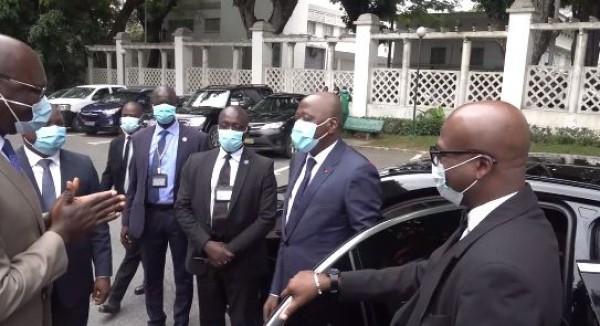 Côte d'Ivoire : Amadou Gon retrouve la Primature avec plaisir et appelle à se retrousser les manches pour faire face aux défis