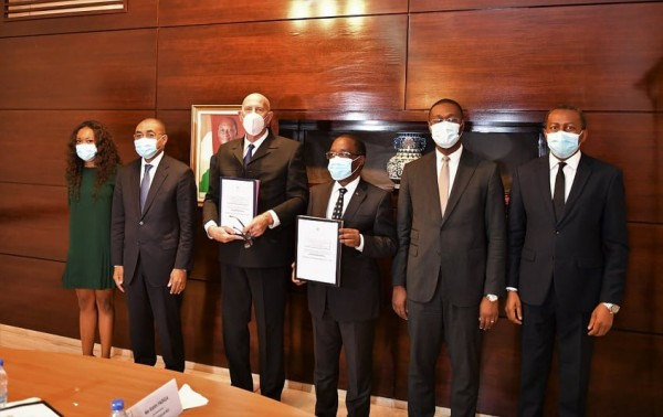 Côte d'Ivoire : Constructions et réhabilitations des Etablissements sanitaires de 1er contact, des opérateurs signent des contrats de plus de 171, 7 milliards de FCFA avec le Gouvernement