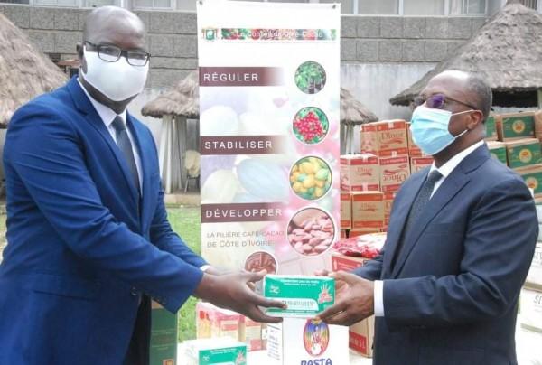 Côte d'Ivoire :  COVID-19 , l'UNJCI s'inquiète pour la survie des entreprises de presse appelle les patrons de sociétés au secours et remercie le Conseil café-cacao pour son assistance