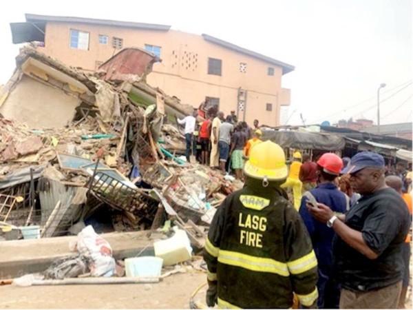 Nigeria : Un immeuble de deux étages en rénovation s'écroule à Lagos, deux morts dont un enfant