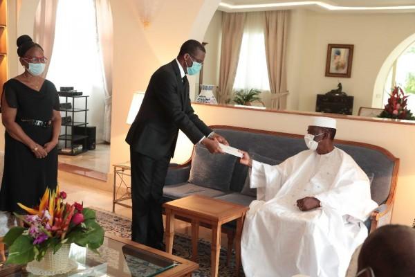 Côte d'Ivoire : Alassane Ouattara reçoit le Secrétaire Général de la Présidence de la Républ...