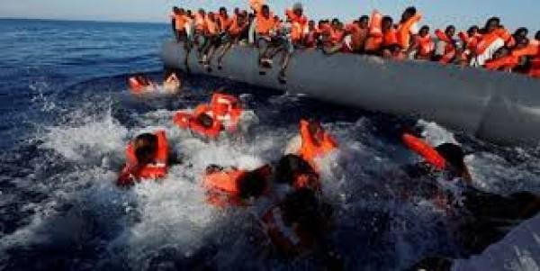 Mauritanie : Déshydratés, des migrants en route pour l'Espagne se jettent à l'eau