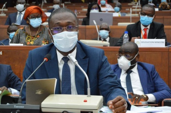 Côte d'Ivoire : Malgré la COVID-19, le prix Sanogo Bassirima du meilleur DAF des ministères du meilleur DAF décerné jeudi à Abidjan