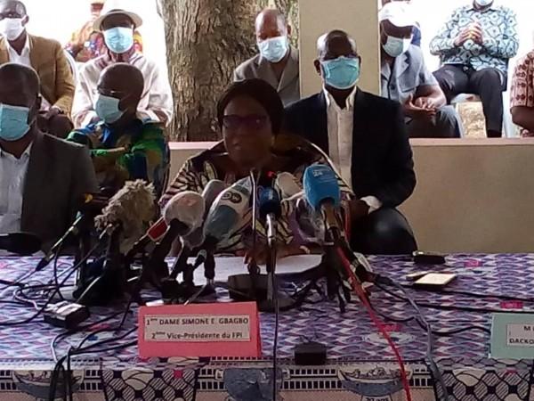 Côte d'Ivoire : Texte du point de presse de   Mme Simone Ehvet Gbagbo