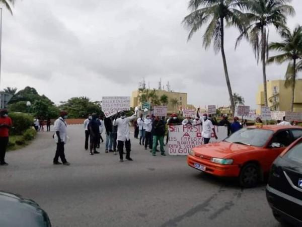 Côte d'Ivoire : Après plusieurs mois impayés, des employés du Golf hôtel  manifestent et appellent Ouattara au secours - KOACI