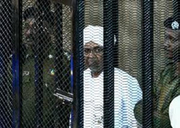 Soudan: Jugé pour «coup d'Etat»,le procès d'Omar El Béchir à nouveau reporté