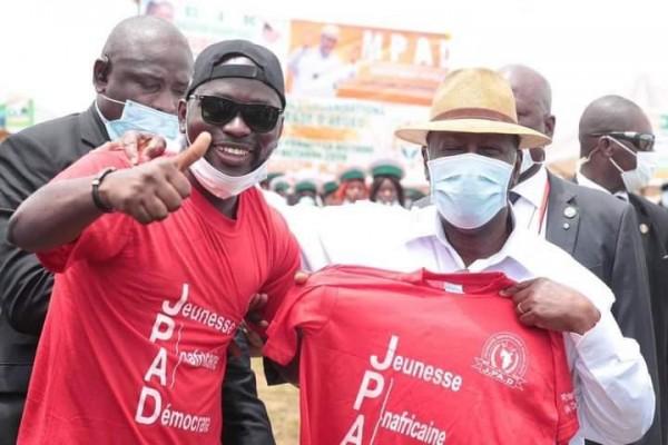 Côte d'Ivoire : Très engagé dans une structure de jeunesse, Chado Walker félicité par le président Ouattara