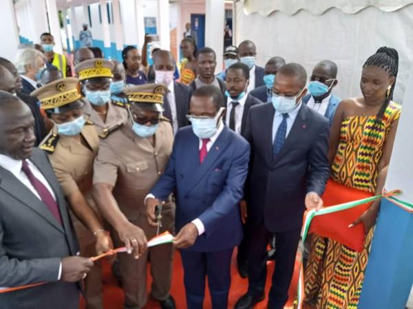 Côte d'Ivoire : Bassam, Dr Eugène Aka Aouélé annonce le contrôle de la pandémie à COVID-19 grâce aux compétences nationales, mais exhorte les populations au respect des mesures barrières
