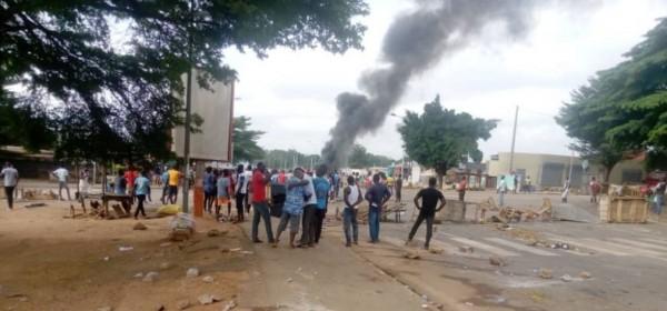 Côte d'Ivoire : A la veille du vote présidentiel, palabre entre partisans de l'opposition et du RHDP à Yamoussoukro