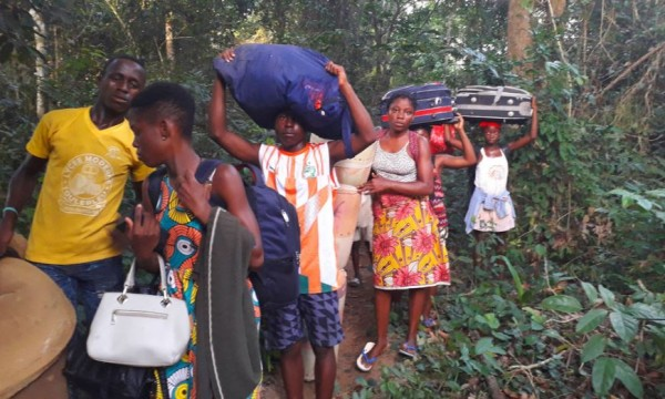 Côte d'Ivoire : Le HCR envoie du matériel de secours par avion-cargo pour venir en aide aux réfugiés ivoiriens au Liberia