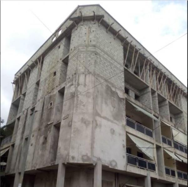 Côte d'Ivoire : Yopougon Ananeraie, un immeuble menaçant de s'effondrer, les occupants évacués