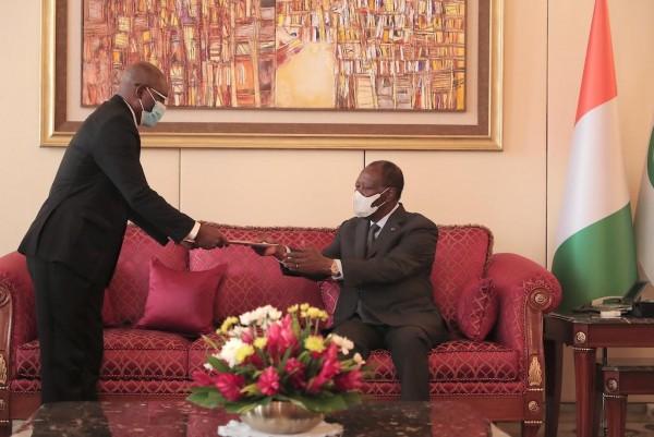 Côte d'Ivoire : Alassane Ouattara reçoit le Ministre des Affaires Etrangères et de la Coopér...