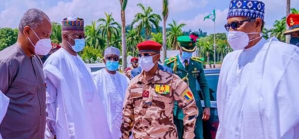 Nigeria-Tchad : Mahamat Deby se présente à Buhari pour le succès de la  transition au Tchad