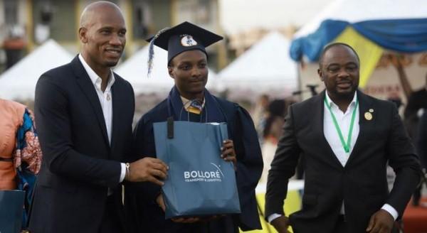 Côte d'Ivoire : B'Excellence, les meilleurs élèves au baccalauréat de Port Bouët à leur tour récompensés par Bolloré