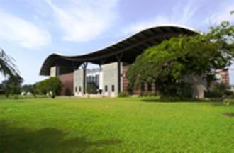 Coopération Gabon / France : les scolaires et universitaires souhaitent la construction  dÂ'un Centre culturel gabonais