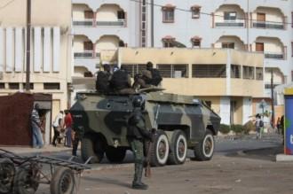 SENEGAL: Violences électorales : Le Ministre dÂ'Etat, ministre de lÂ'Intérieur en otage échappe à un lynchage. Sauvé de justesse par le GIGN !