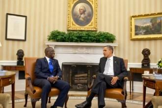 GHANA: En course, Obama se mesure à Atta Mills